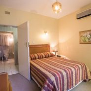 Acacia Guest House - Rooms - Deluxe Room (1)